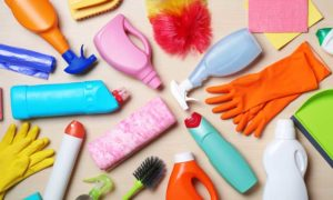vervuilende plastic schoonmaakspullen