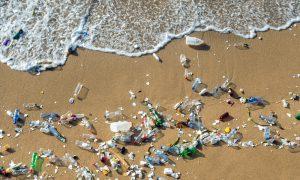 plasticvervuiling stranden