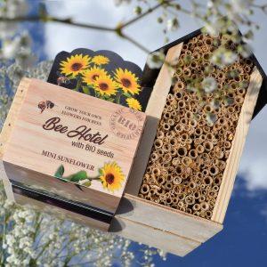 Bijvriendelijk Bijenhotel Baza